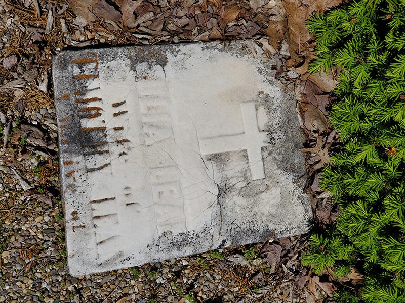 Greenlawn-headstone-at-Calvary